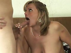 Guestimated MILF has their way vulva drilled unresounding